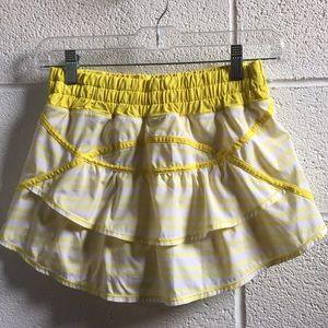 lululemon athletica Skirts - Lululemon yellow and white skirt, sz 4, 58948